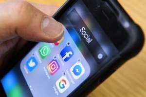 Usuaria demanda a Facebook porque Instagram usaba la cámara del celular sin permiso