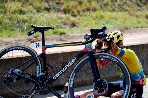 """Fuera """"El Monstruo"""": Sergio Higuita abandonó el Tour luego de dos caídas en la etapa 15"""