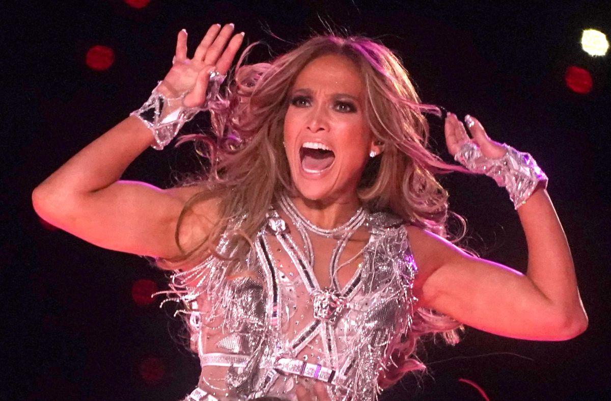 'Esto es degradante': Fans de Jennifer López explotan por su desnudo