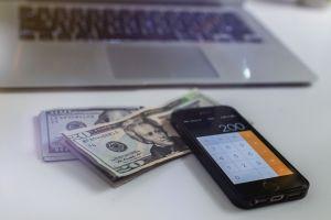 Las dos fechas clave para quienes aún no reciben su primer cheque de estímulo desde el IRS