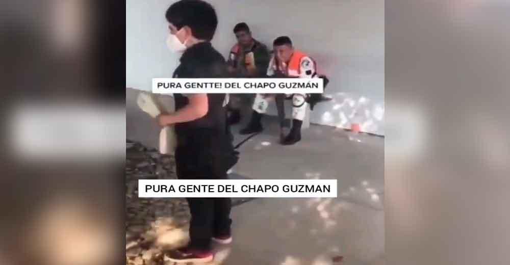 El menor se pasea frente a militares en Culiacán.