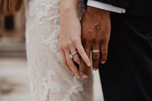 Pareja se casa en hospital de Colombia; 2 días después la novia murió