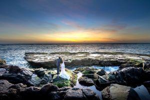 Muere novia durante sesión de fotos de boda en la playa