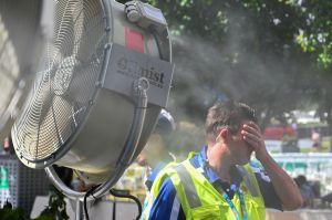 Calor y pandemia: angelinos en el dilema de quedarse en casa o salir por el feriado largo