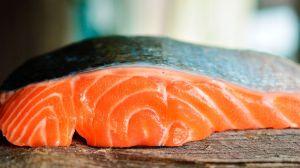 Te decimos cuál es la parte del salmón que JAMÁS debes comprar