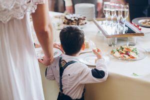 Muere niño de 5 años durante celebración de boda en Chicago