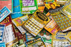 Gana la lotería al comprar 20 boletos idénticos