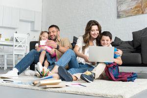 Los 5 mejores zapatos para que tus hijos estén cómodos mientras estudian en casa