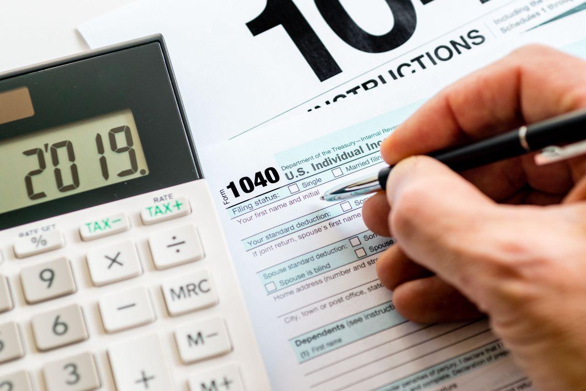 Estar al día con el pago de impuestos es determinante para obtener el cheque de estímulo conoce por qué | La Opinión