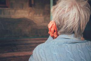 Causa indignación caso de anciana en Chile que fue desalojada de su casa por una de sus hijas
