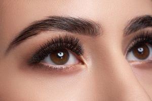 Mascaras de pestañas: Las mejores 4 opciones para que luzcan más largas, con volumen, y mejor al maquillarlas