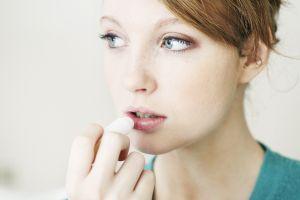 Los mejores bálsamos hidratantes para proteger tus labios del clima frío