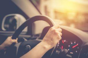 Niño de 11 años se convierte en héroe al conducir un auto para salvar a su abuela