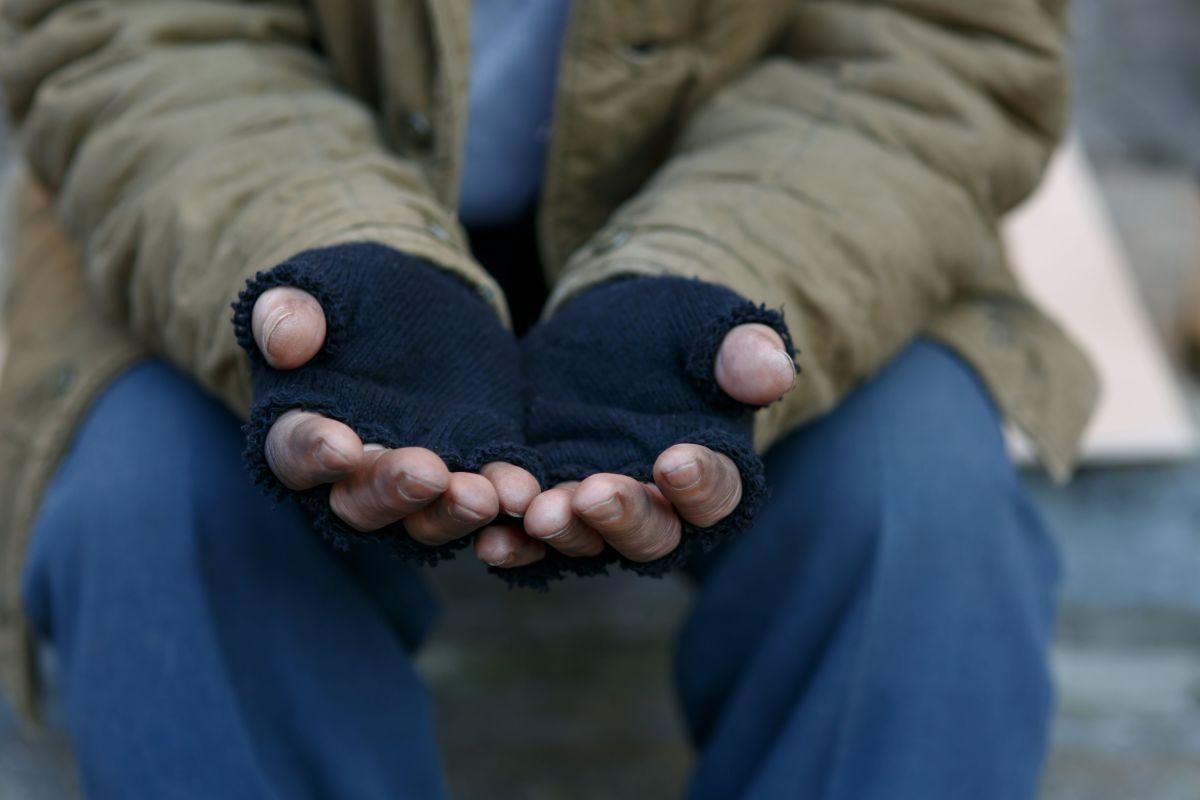 A indigente le cambia la vida tras ganar $350,000 en la lotería
