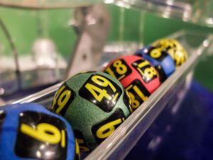 Matrimonio gana doble premio de lotería al comprar cada uno un boleto