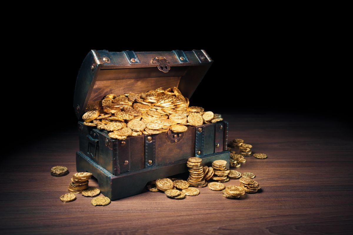 Forrest Fenn guardó un cofre con monedas de oro y joyas por un valor de más de $2 millones.