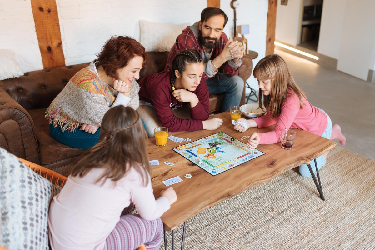 Los mejores juegos de mesa para tener una noche de diversión en familia y dejar a un lado la tecnología por un rato