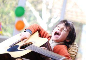 """El tierno momento en el que un niño le canta a su bisabuela """"Recuérdame"""" de """"Coco"""""""