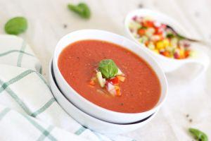 Sopa de tomate de 3 ingredientes, la fórmula perfecta para depurar el cuerpo