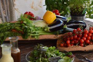 ¿Cómo saber que un aderezo de ensalada de supermercado es saludable?