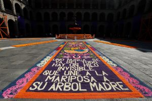 Día de Muertos: AMLO inaugura la ofrenda de México a los más de 91,000 muertos por la pandemia