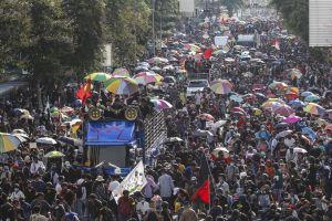 Estado de emergencia en Tailandia por inéditas marchas estudiantiles contra la monarquía