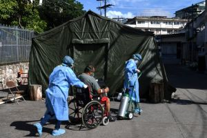 La polémica por clínicas turcas móviles que han demorado en llegar a Honduras para enfrentar pandemia
