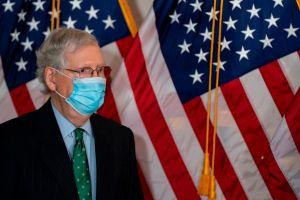 Líder republicano del Senado no ha ido a la Casa Blanca en meses por falta de medidas contra coronavirus