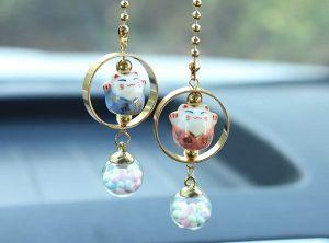 5 amuletos colgantes que puedes tener en el retrovisor de tu auto para llevar la buena suerte siempre contigo