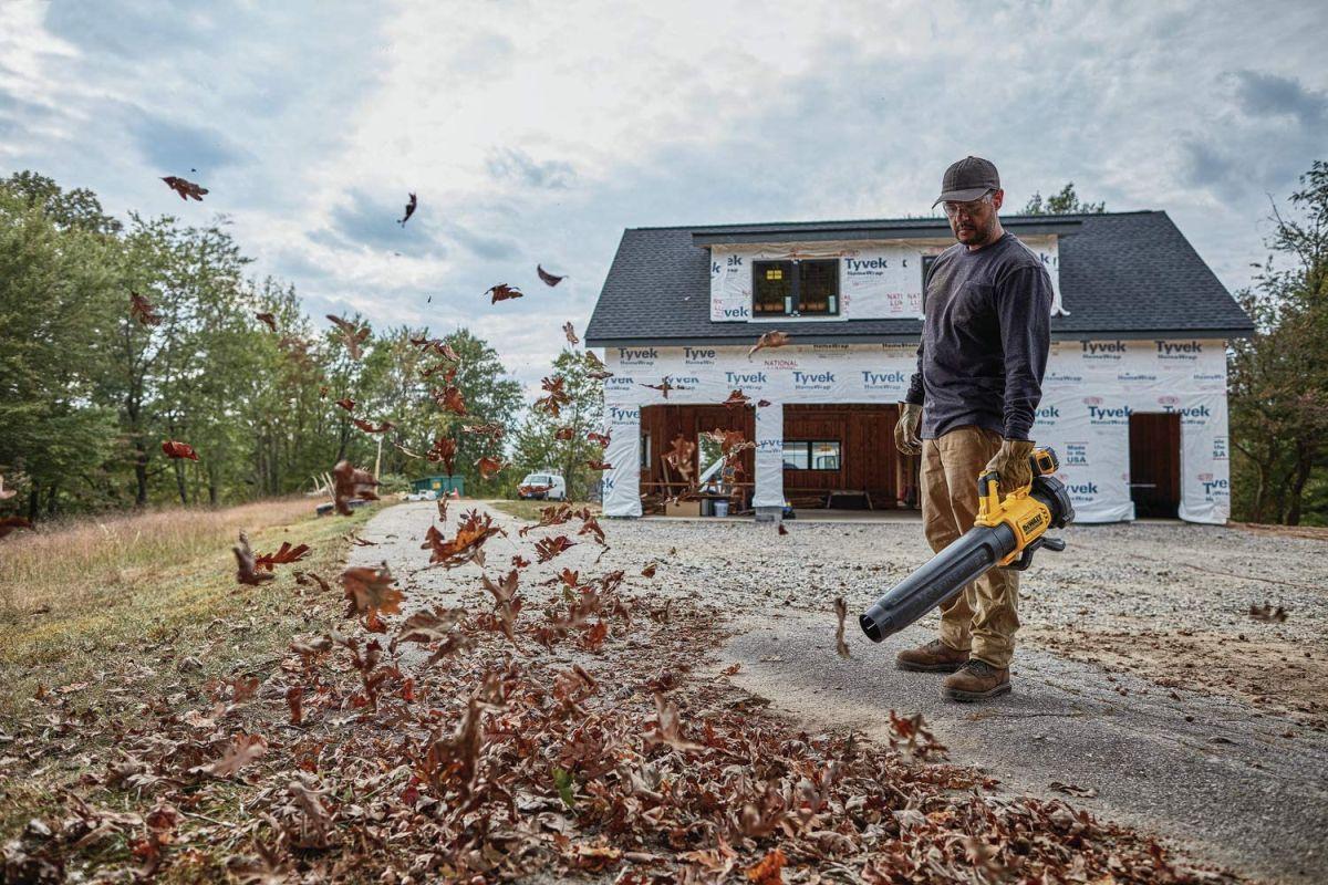 Los 5 mejores sopladores de hojas que debes tener para limpiar tu jardín en Otoño