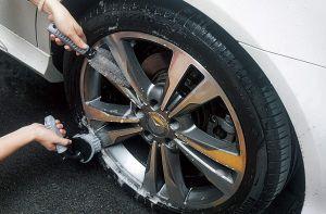 Los 5 mejores productos para limpiar y pulir las llantas de tu auto
