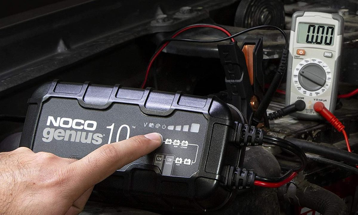 Los 5 mejores cargadores y arrancadores de batería para tu auto disponibles en Amazon