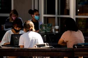 EE.UU. bate su récord diario de casos de coronavirus con 86,600 nuevos contagios