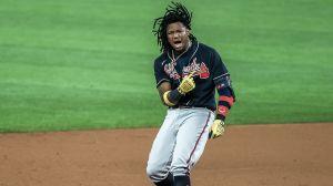 Los Dodgers arrancan mal, pierden ante Braves