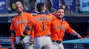 Correa pega dos cuadrangulares y los Astros toman ventaja