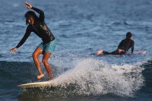 Por qué el surf en Estados Unidos está en auge durante la pandemia de coronavirus