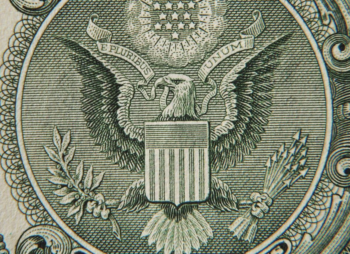 A cuánto se vende el dólar hoy en México: El peso gana con el Día de Muertos