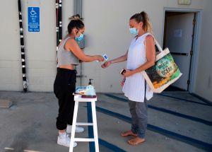 Las hospitalizaciones por coronavirus en California están en su punto más bajo de los últimos seis meses