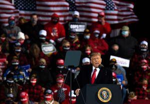 Trump rechaza cambiar reglas de debate, afirma que ganó y se lanza contra moderador