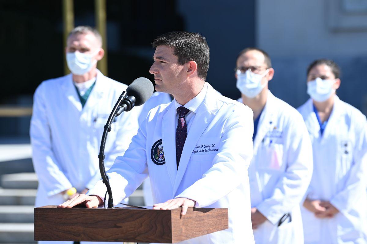 El doctor Sean Conley lidera el equipo que atiende al presidente Trump.
