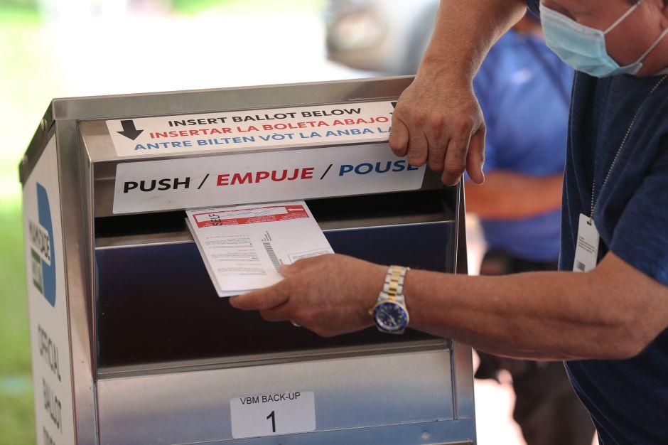 Partido republicano de California planea expandir la colocación de urnas electorales no oficiales en el estado