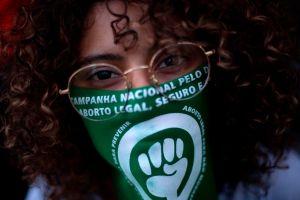 Brasil: El drama de las víctimas de violación para abortar durante la pandemia