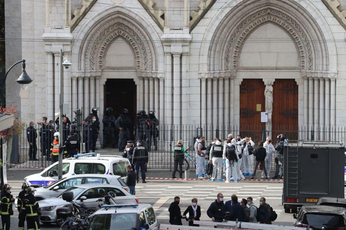 Francia en alerta máxima terrorista tras ataque en iglesia de Niza que dejó al menos tres muertos