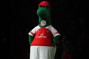 Fichaje bomba: Sevilla contrata a la mascota del Arsenal