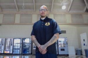 Acusan a oficial de prisión de causar deportación de padre de familia