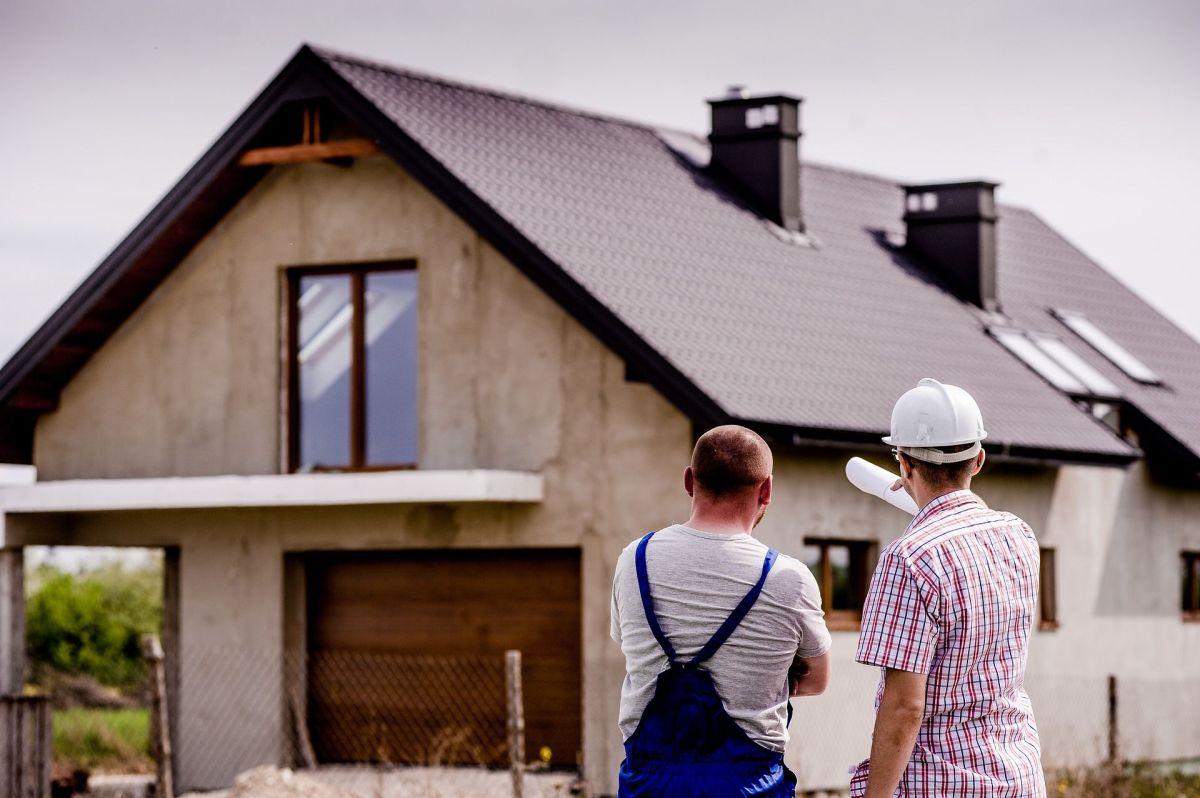 En febrero cae la venta de viviendas 6.6% en comparación con enero, más de lo esperado