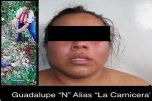 La Carnicera del CJNG, en video la mujer aparece cortando en pedazos a víctima