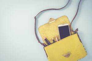 Lleva tu dinero y celular seguro en estas lindas carteras