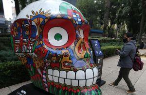 FOTOS: Calaveras monumentales para celebrar el Día de Muertos en la Ciudad de México