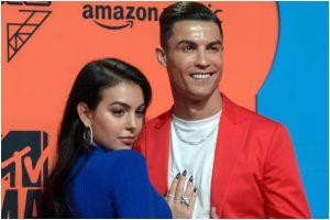 Así es la imponente mansión en la que Cristiano Ronaldo está aislado tras dar positivo a COVID